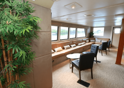 137 Swiftship party yacht middeck lounge
