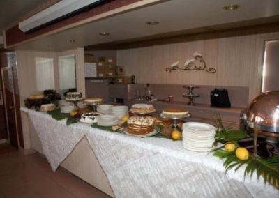 142 Swiftship yacht open cake table