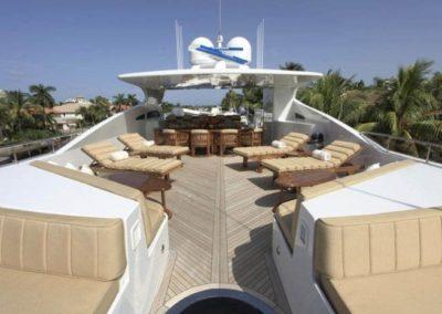 164 Trinity yacht flybridge lounge