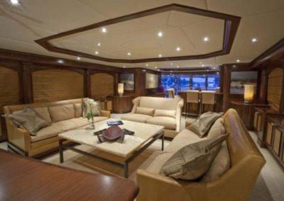 164 Trinity yacht coffe lounge