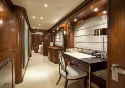 164 Trinity yacht work desk