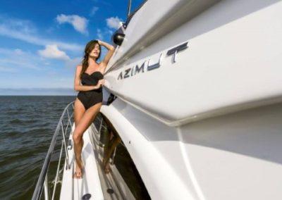 42 Azimut leisure on charter yacht