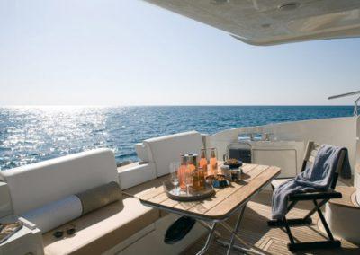 48 Azimut yacht aft deck dining