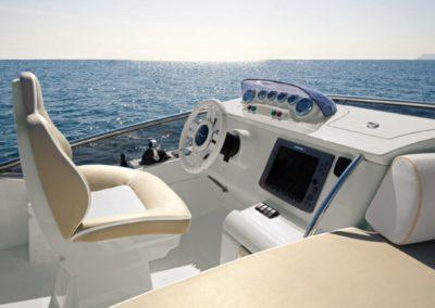 48 Azimut yacht flybridge navigation station