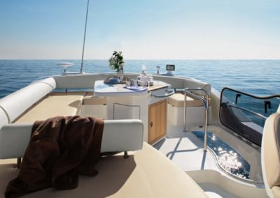 48 Azimut yacht flybridge dining and sunpads