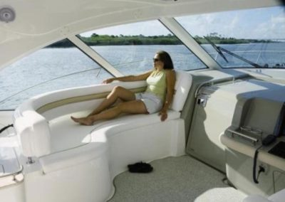 48 Searay yacht aft deck