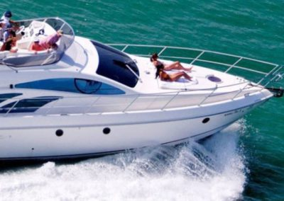 50 Azimut yacht cruising in Miami
