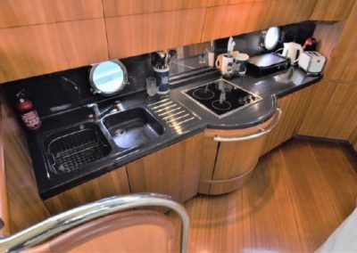 50 Azimut yacht full galley