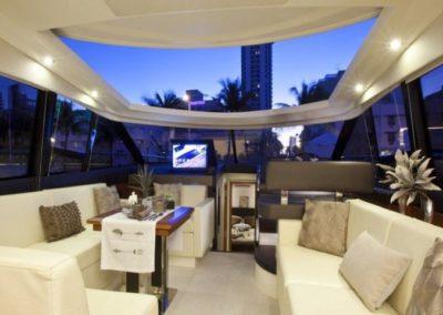 50 Prestige yacht salon dining