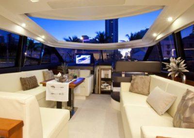 50 Prestige yacht salon