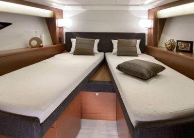 50 Prestige yacht twin beds cabin