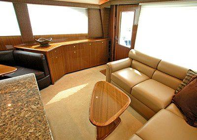 52 Viking sportfish yacht salon and dinette