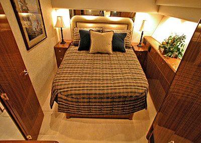 52 Viking sportfish yacht master cabin