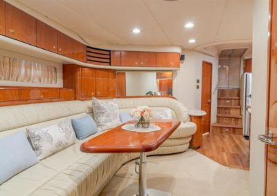 54 Searay yacht salon