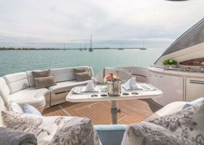 54 Searay yacht aft deck seating