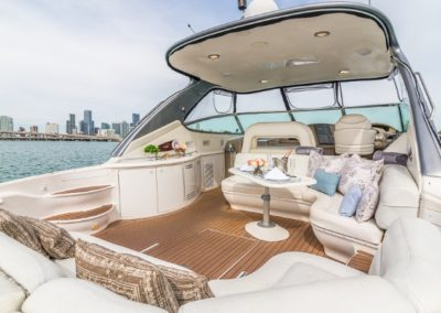 54 Searay yacht aft deck