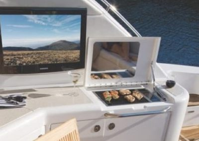 54 Searay yacht aft deck grill
