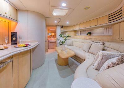 54 Searay yacht salon