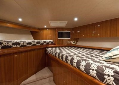 55 Viking sportfish yacht second twin beds cabin