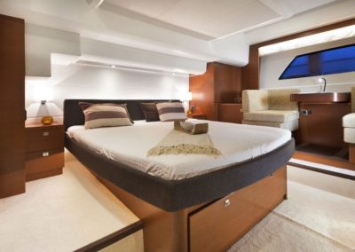 56 Prestige yacht master cabin