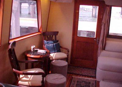 60 Hatteras sportfish charter yacht salon coffe lounge