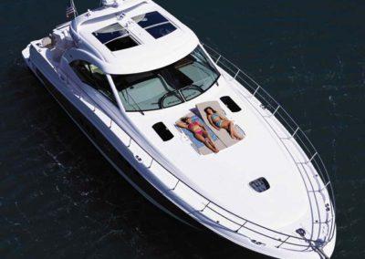 60 Searay charter yacht at anchor