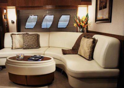 60 Searay yacht salon