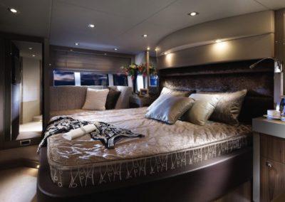 60 Sunseeker yacht master cabin