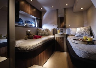 60 Sunseeker yacht cabin with twin beds