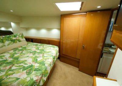 60 Viking sportfish yacht master cabin