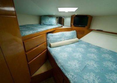 60 Viking sportfish yacht twin beds cabin