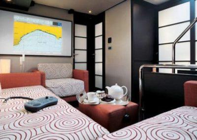62 Azimut yacht cabin