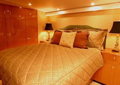 62 Viking sportfish yacht master cabin