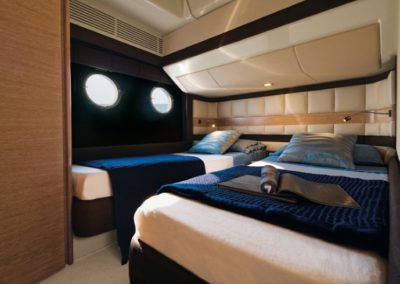 64 Azimut yacht twin beds cabin