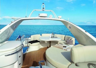 68 Azimut yacht flybridge seating