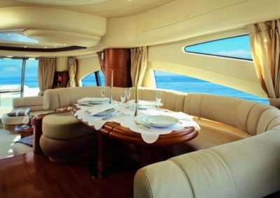 68 Azimut yacht salon dining