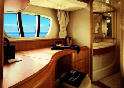68 Azimut yacht master stateroom bathroom
