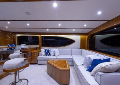 70 Hatteras sportfish yacht salon