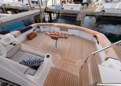 70 Hatteras sportfish yacht aft deck seating