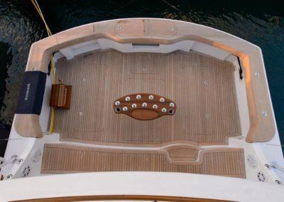 70 Hatteras sportfish yacht aft deck