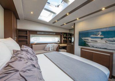 70 Prestige yacht master stateroom