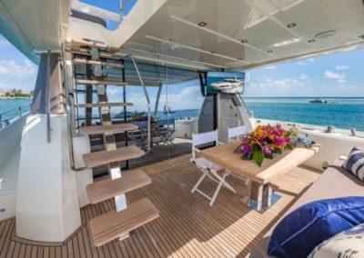 70 Prestige yacht aft deck