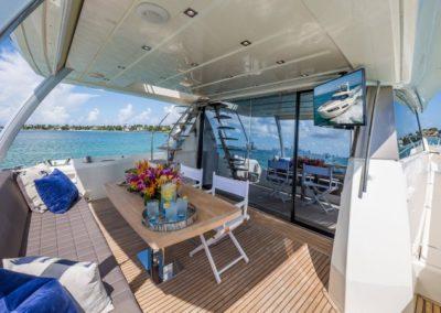 70 Prestige yacht aft deck dining