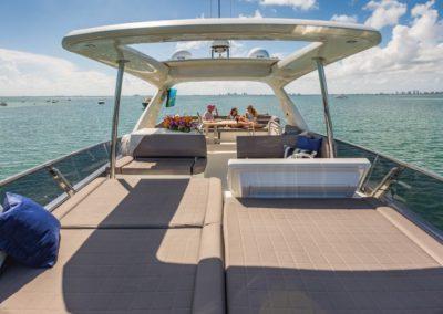 70 Prestige yacht flybridge sunpads