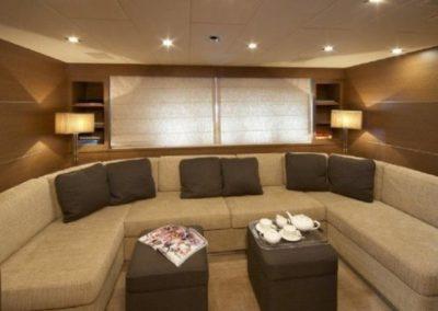 72 Mangusta yacht salon