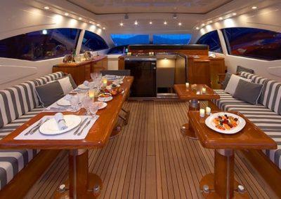 72 Mangusta yacht dining