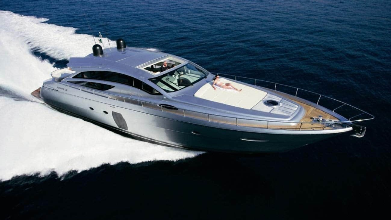 72 Pershing Miami charter yacht