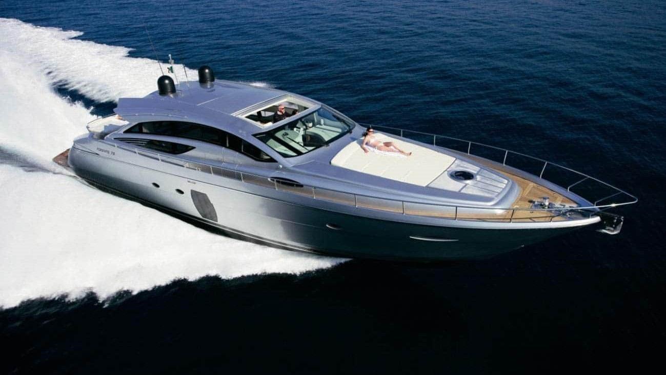 72 Pershing Miami charter yacht