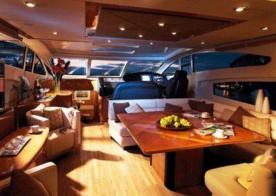 72 Sunseeker yacht salon dining