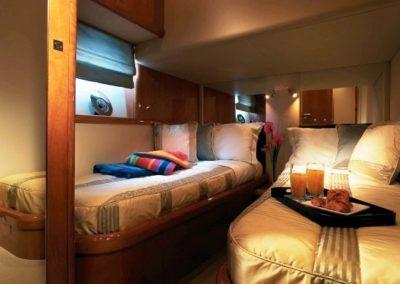 72 Sunseeker yacht twin beds cabin